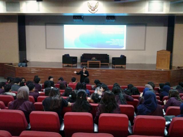 Suasana Kuliah Umum Ibu Ery Seda, Sosiolog Senior dari Universitas Indonesia